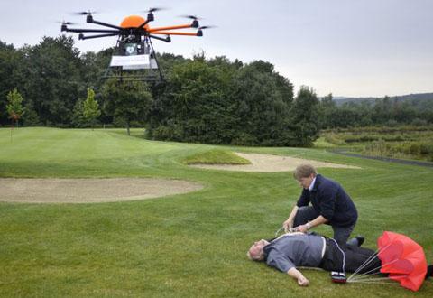 Dronen kan komme til unsetning og redde liv. Foto: Definetz