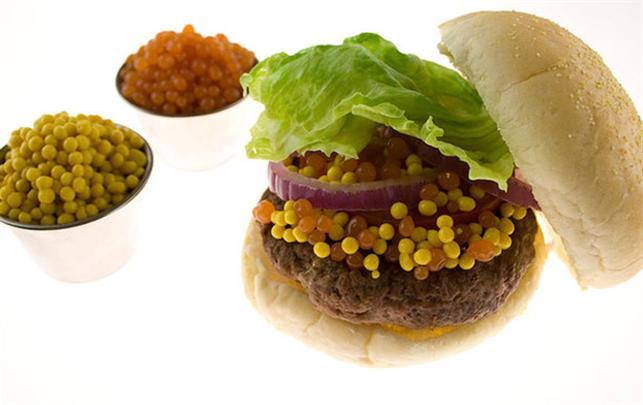 Hamburger med molekylær ketchup og sennep