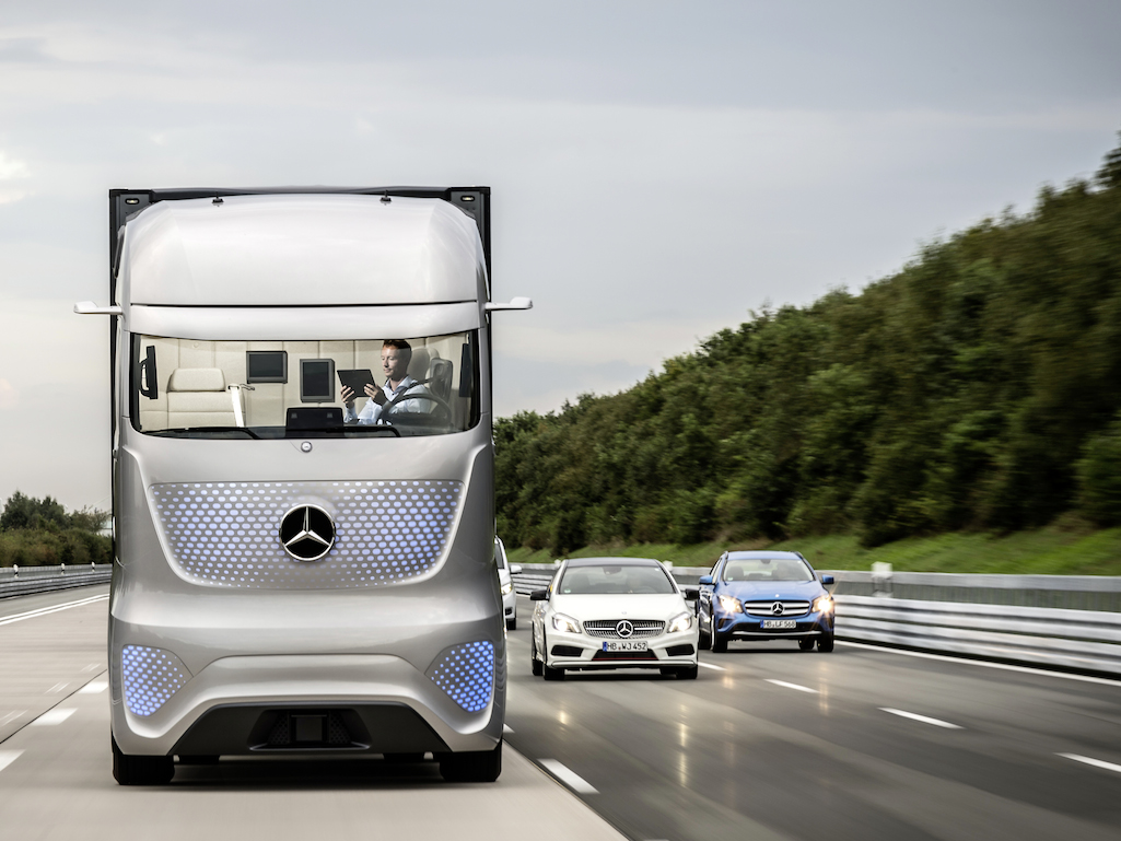 Future-Track-2025 - Mercedes-2