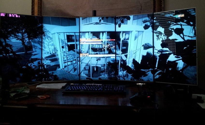 Fantastisk oppsett med fem skjermer på høykant!